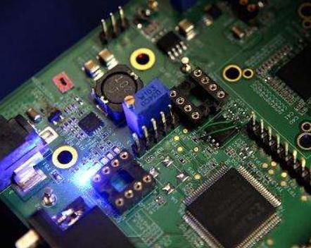 半导体驱动电路及负反馈电流