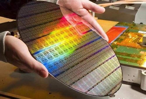 造成国产芯片短板效应的原因是什么?华为任老先生给出了答案