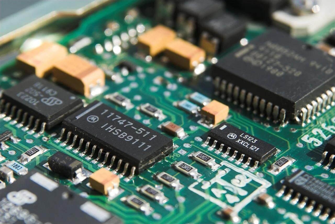 芯片短缺加劇, 全球芯片廠商一季度收入創歷史新高