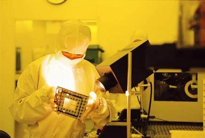 三星击败台积电 将为特斯拉代工自动驾驶芯片